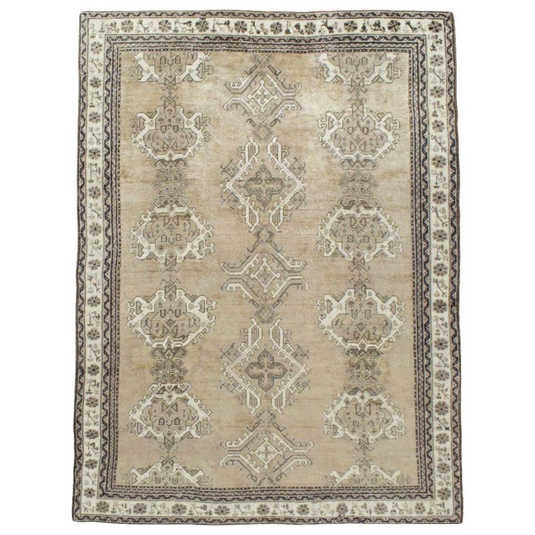 Early 20th Century Champagne Colored Turkish Handmade Oushak Carpet For Sale