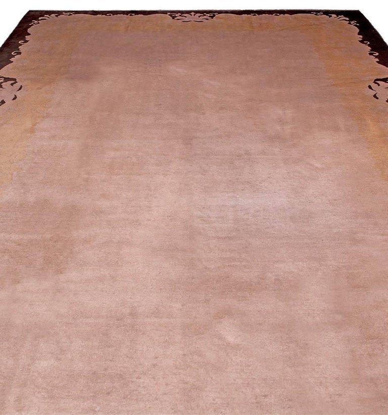 Early 20th Century Chinese Art Deco Handmade Wool Rug In Good Condition For Sale In New York, NY