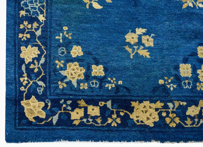 Early 20th Century Chinese Art Deco Rug In Good Condition For Sale In Chicago, IL