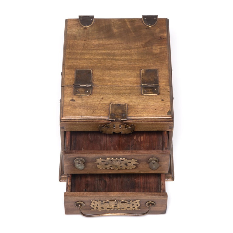 Early 20th Century Chinese Double Bat Jewelry Chest For Sale 1