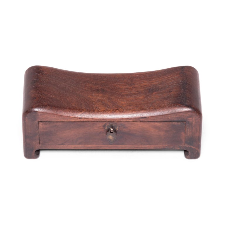 Early 20th Century Chinese Keepsake Headrest For Sale 1