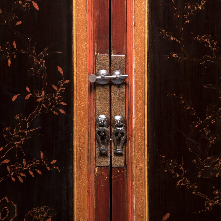 Early 20th Century Chinese Red Gilt Lacquered Cabinet For Sale 3