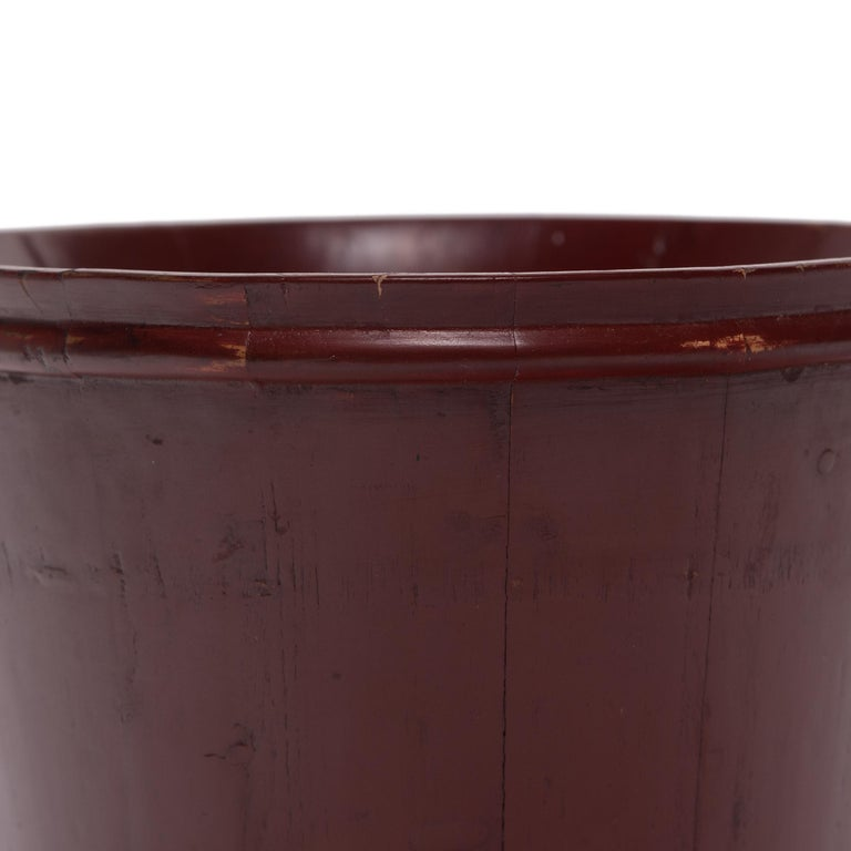 Lacquered Early 20th Century Chinese Red Lacquer Water Bucket For Sale