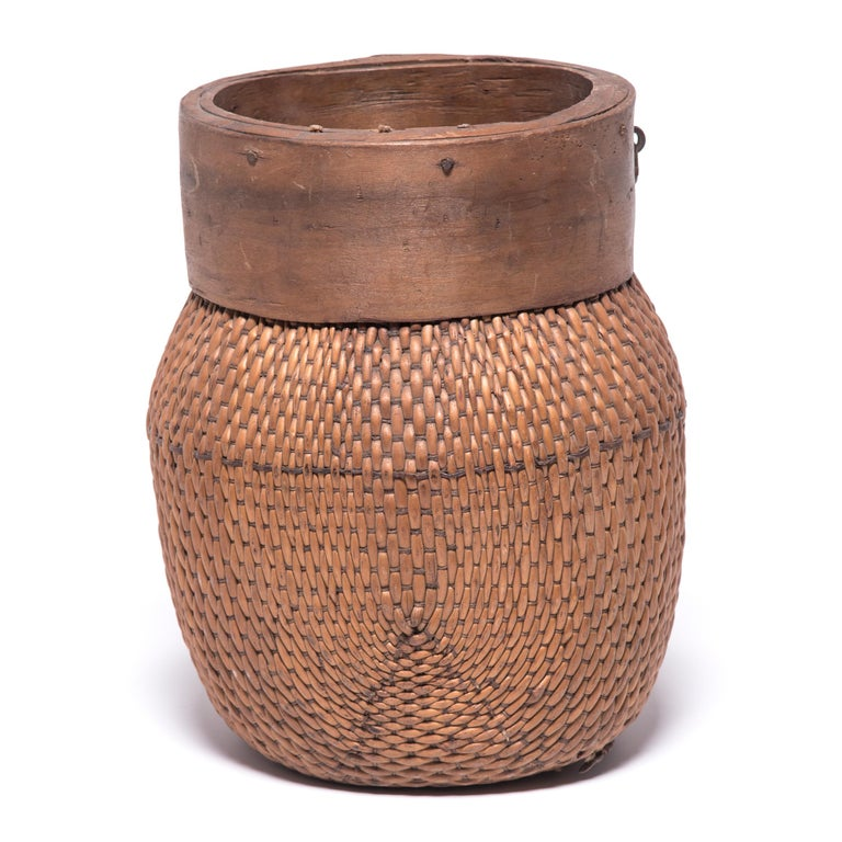 Woven Early 20th Century Chinese Rimmed Fisherman's Basket For Sale