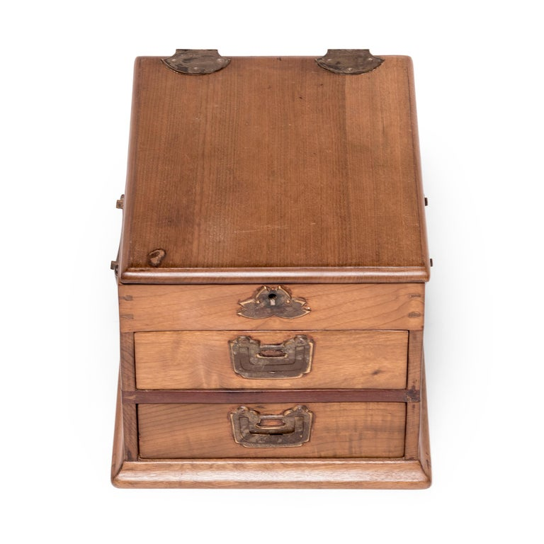 Early 20th Century Chinese Ruyi Jewelry Box For Sale 1