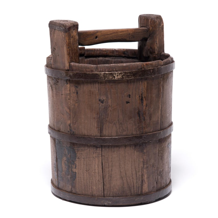 Early 20th Century Chinese Well Bucket In Good Condition For Sale In Chicago, IL