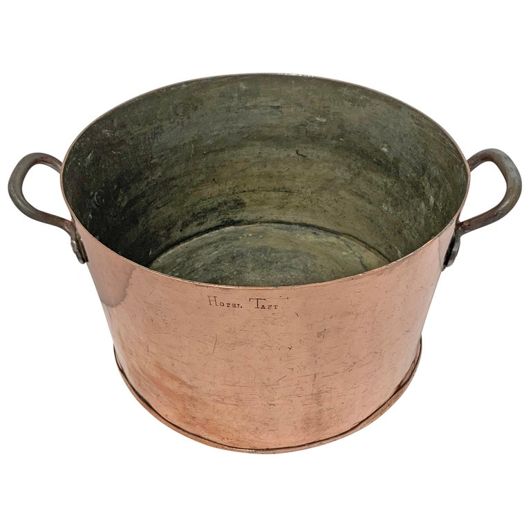 Rustic Early 20th Century Copper Pot from Hotel Taft, NYC For Sale