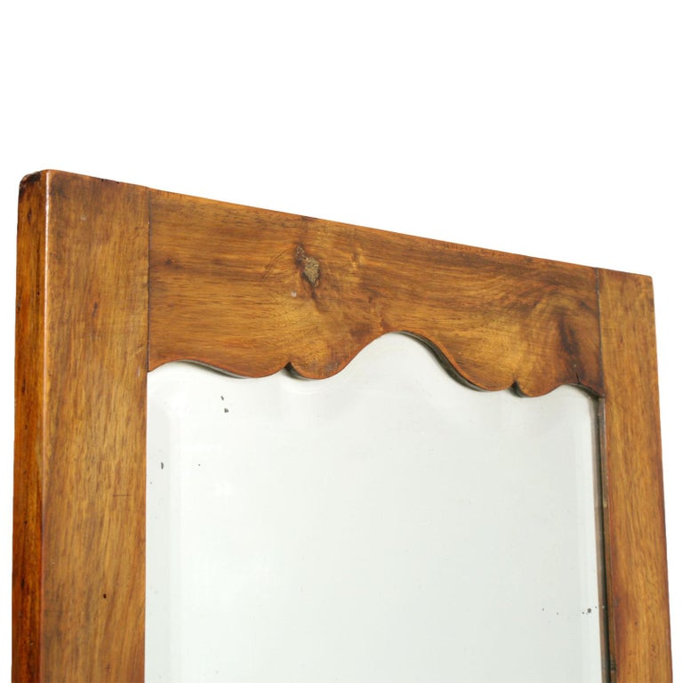 Early 20th Century Country Entry Cabinet, Mirrored Vanity in Solid Blond Walnut In Good Condition For Sale In Vigonza, Padua