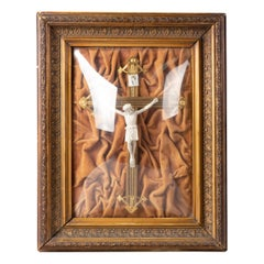 Early 20th Century Crusifix in Wooden Gilt Frame with Convex Glass