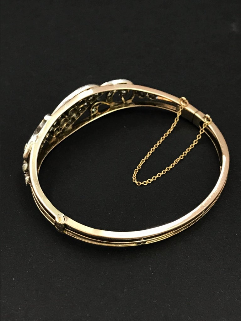 Gold Early 20th Century Diamond Hinged Bangle Bracelet  For Sale 1