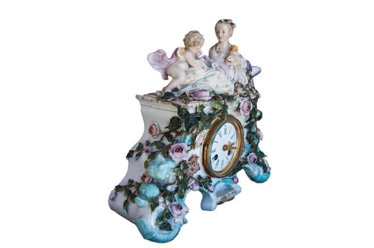 Baroque Early 20th Century Dresden Porcelain Clock For Sale