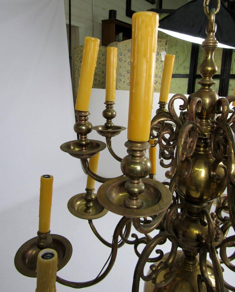 Early 20th Century Dutch Brass Two-Tier Chandelier For Sale 2