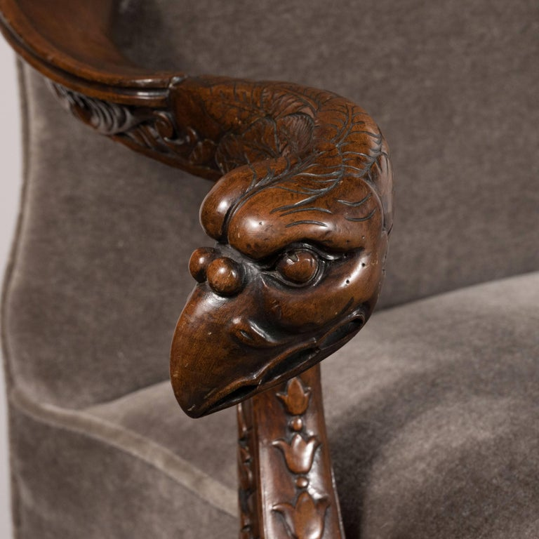 Early 20th Century Edwardian British Walnut Chair with Carved Hawk Gargoyle Arms For Sale 2