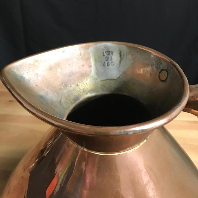 Early 20th Century Edwardian Copper Two Gallon Haystack Measure In Fair Condition For Sale In Warminster , Wiltshire