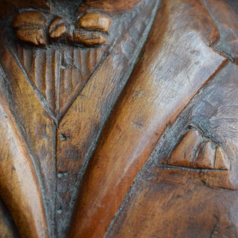 Early 20th Century English Folk-art Hand Carved Gentleman Boxwood Figure  For Sale 4