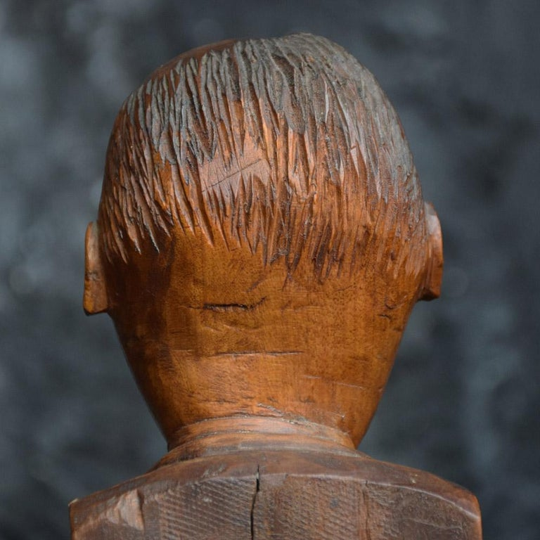 Early 20th Century English Folk-art Hand Carved Gentleman Boxwood Figure  For Sale 1