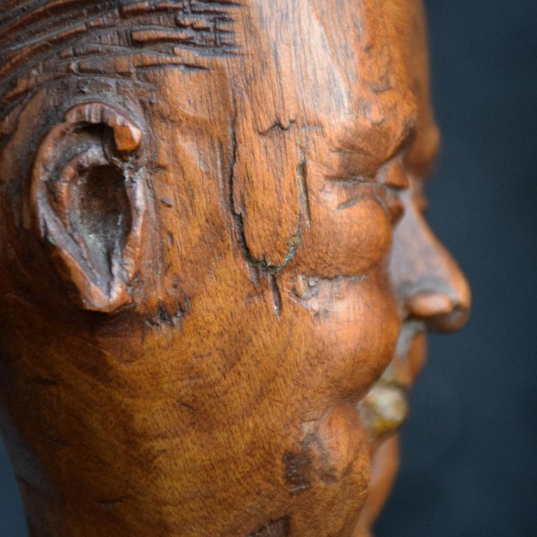 Early 20th Century English Folk-art Hand Carved Gentleman Boxwood Figure  For Sale 2