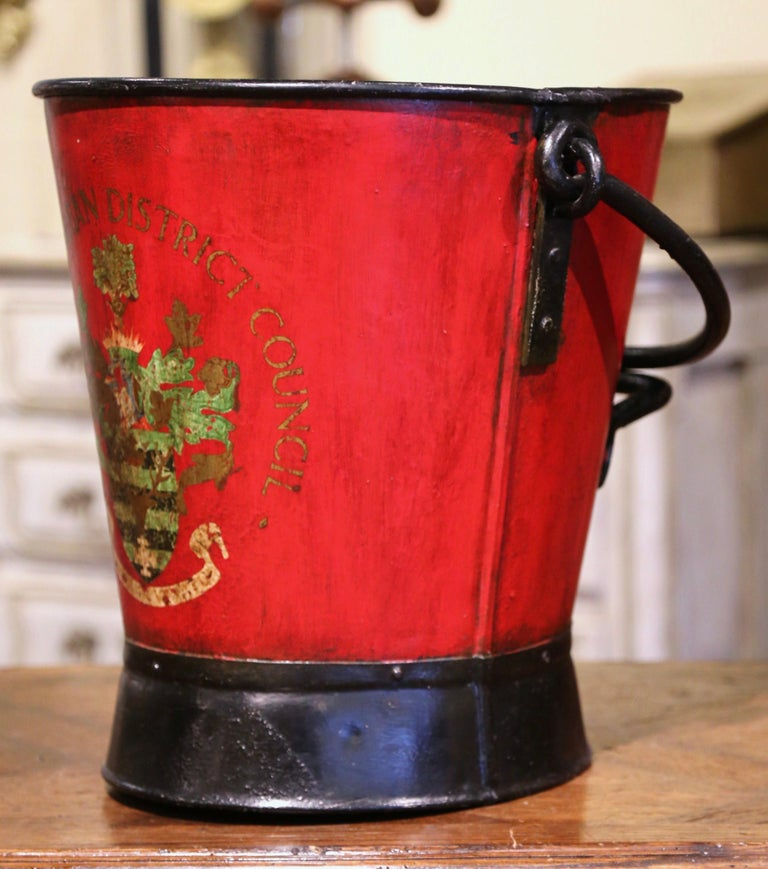 Metal Early 20th Century English Hand Painted Iron Coal Bucket with Crest Decor For Sale
