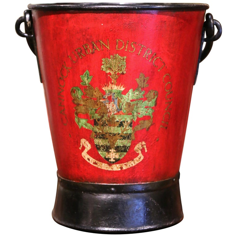Early 20th Century English Hand Painted Iron Coal Bucket with Crest Decor For Sale