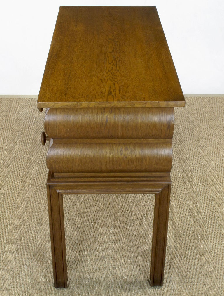 Early 20th Century English Oak Stacked Bullnose Console Table For Sale 10