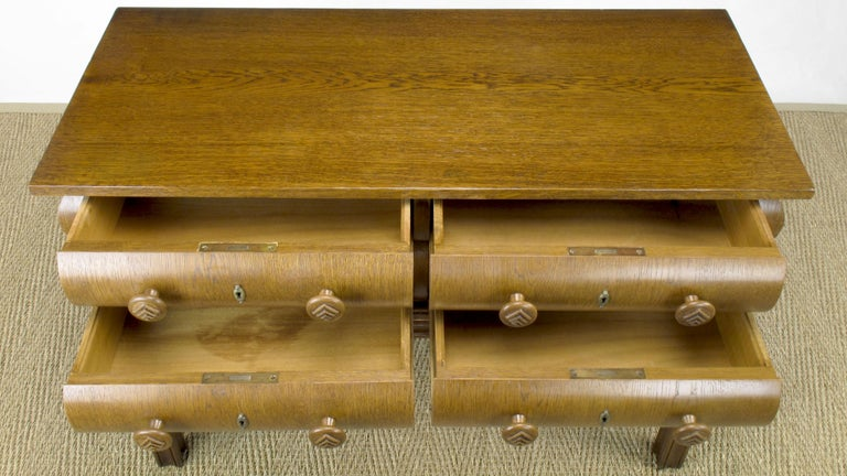 Early 20th Century English Oak Stacked Bullnose Console Table For Sale 4
