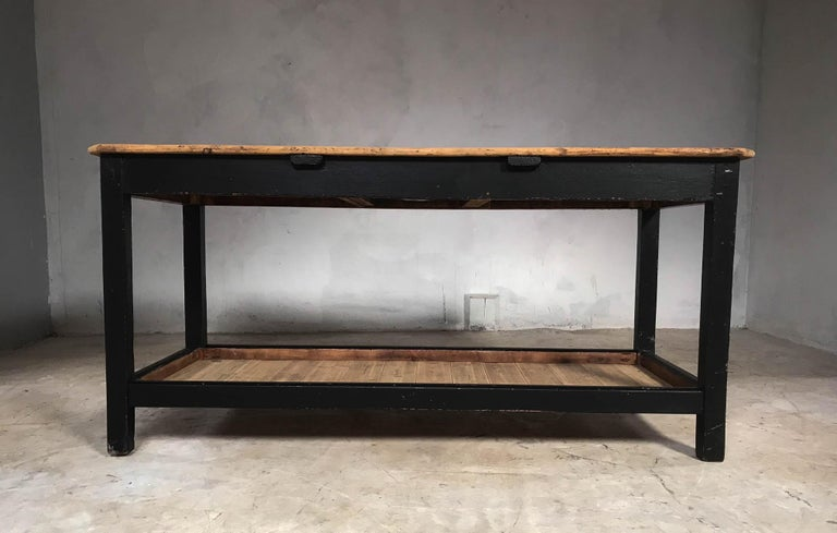 Early 20th Century English Pine Rustic Farmhouse Potting Table Kitchen Island For Sale 8