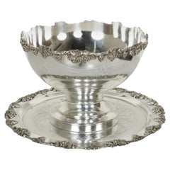 Early 20th Century English Silver Plate Hotel Champagne Bucket with Tray