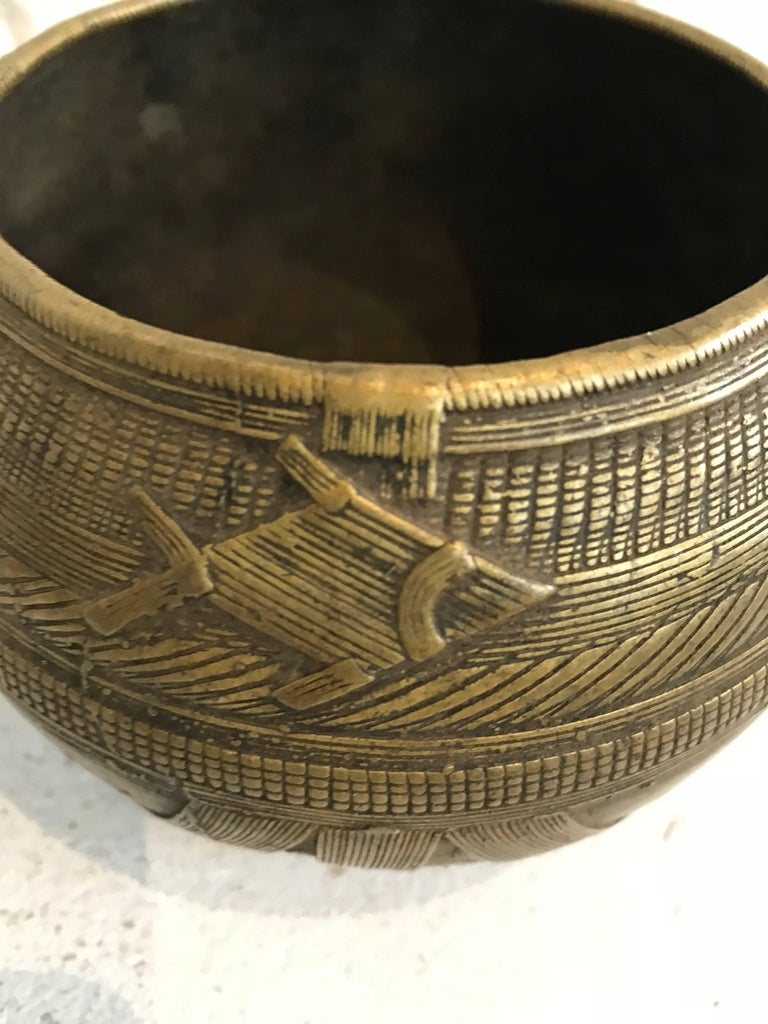 Early 20th century Dhorkra Measuring Bowl  For Sale 1