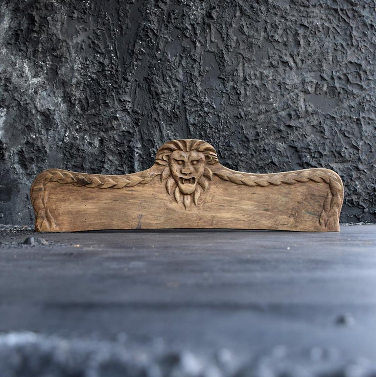 Early 20th Century Folk Art Carved Oak Lion Panel For Sale 2