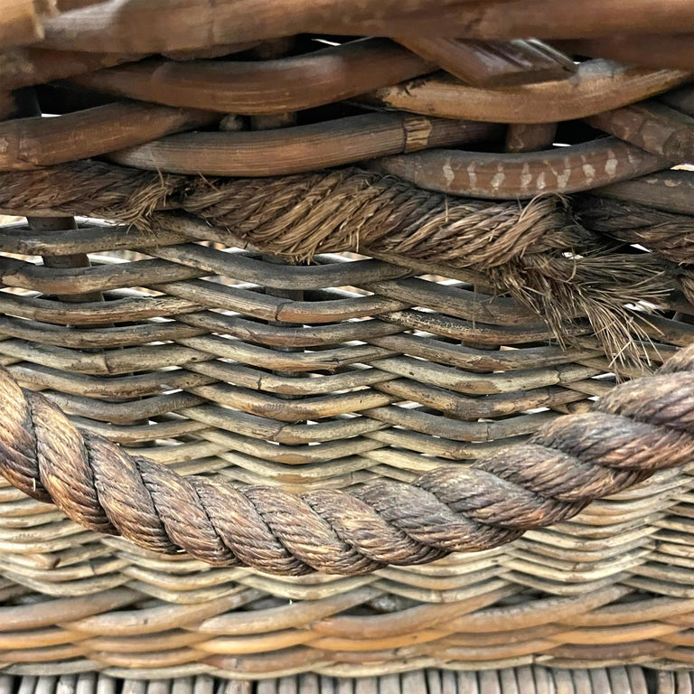 Early 20th Century French Basket For Sale 7