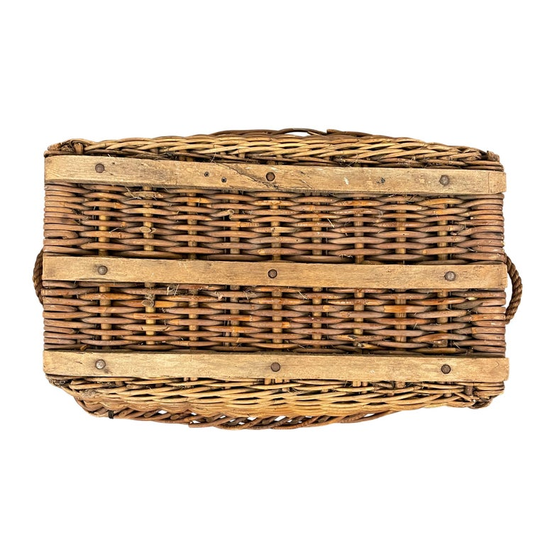 Early 20th Century French Basket For Sale 8