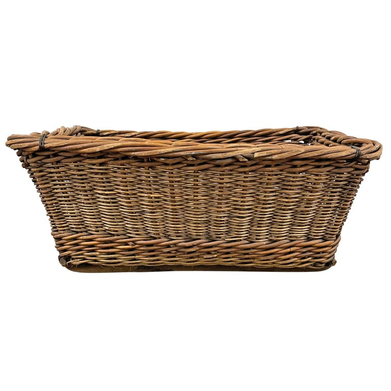 Rustic Early 20th Century French Basket For Sale