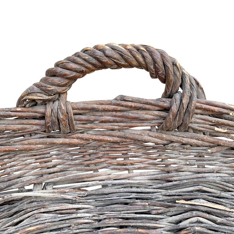Early 20th Century French Basket In Good Condition For Sale In Chicago, IL