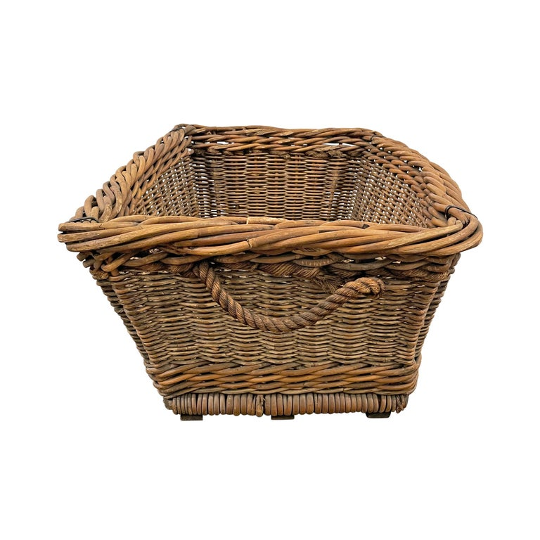 Early 20th Century French Basket For Sale 1