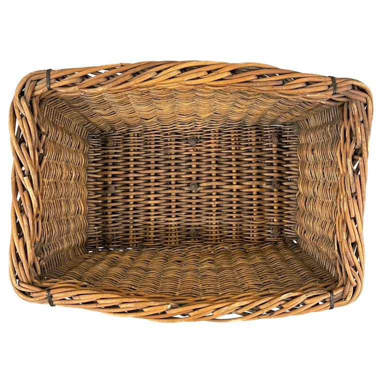 Early 20th Century French Basket For Sale 3