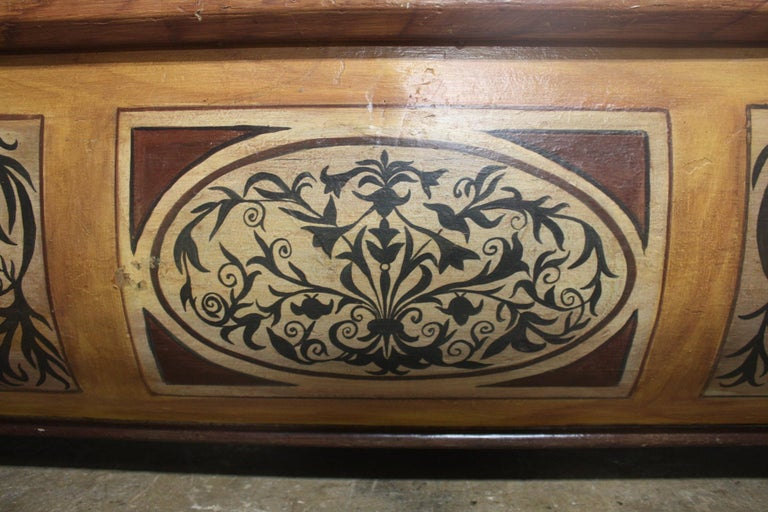 Early 20th Century French Bench Trunk For Sale 9