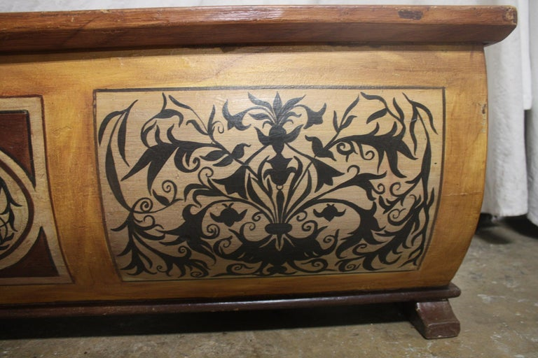 Early 20th Century French Bench Trunk For Sale 10