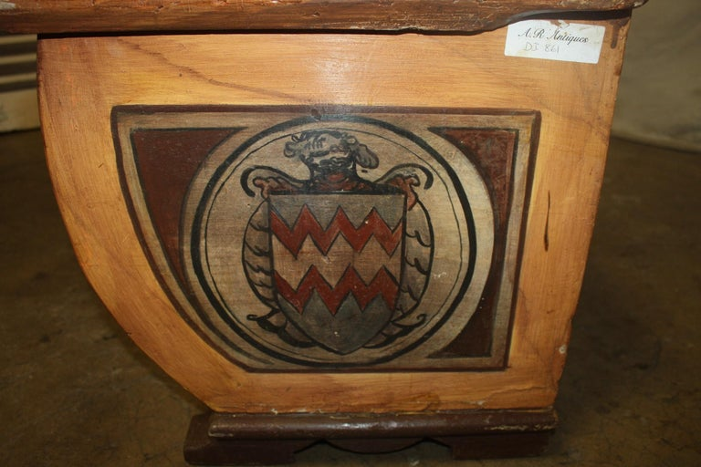 Painted Early 20th Century French Bench Trunk For Sale