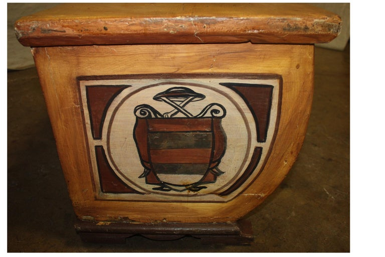 Early 20th Century French Bench Trunk For Sale 1