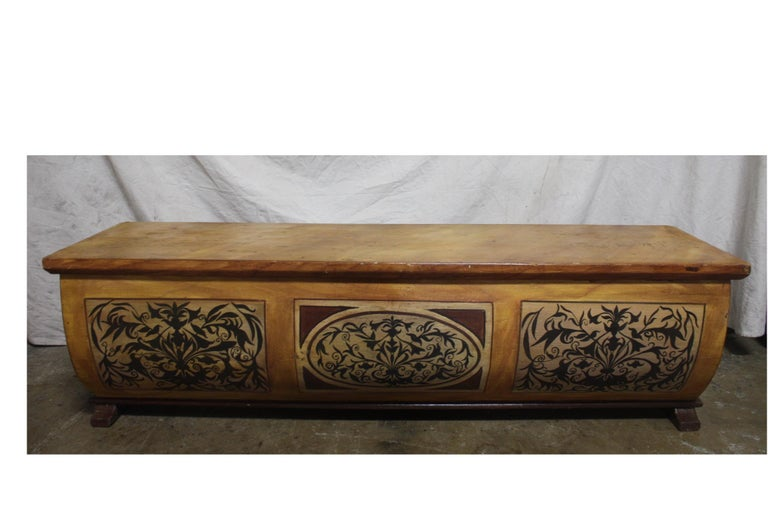 Early 20th Century French Bench Trunk For Sale 3