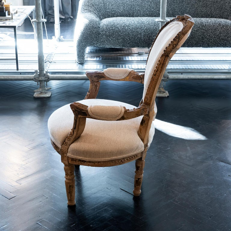Early 20th Century French Carved Wood Armchair, Reupholstery Ivory Velvet For Sale 1