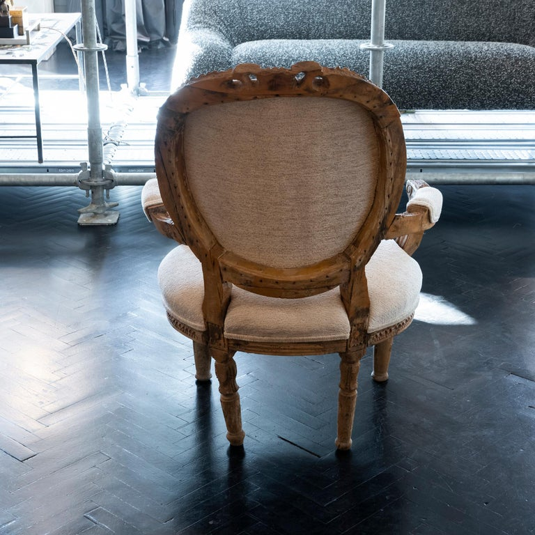 Early 20th Century French Carved Wood Armchair, Reupholstery Ivory Velvet For Sale 3