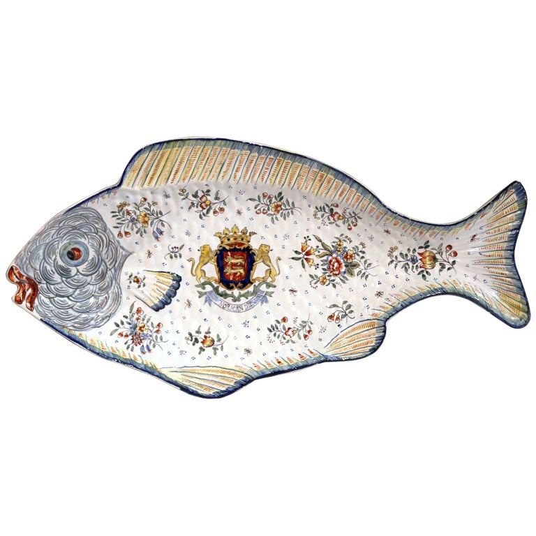 Early 20th Century French Hand Painted Faience Fish Platter from Normandy For Sale