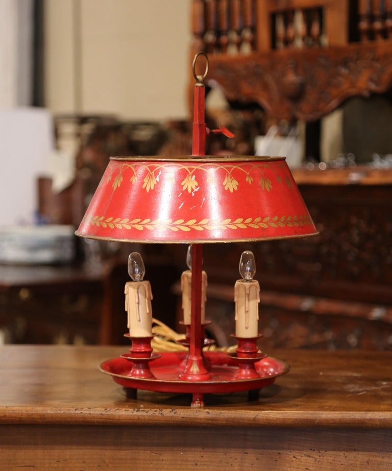 Napoleon III Early 20th Century French Hand Painted Tole Three-Light Bouillotte Table Lamp For Sale