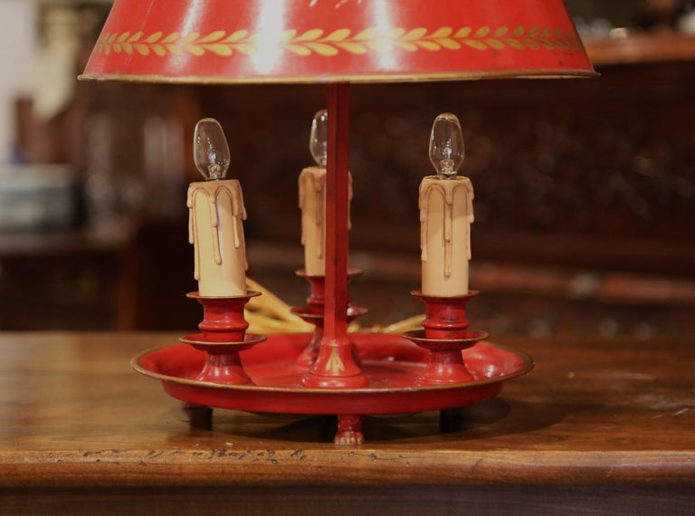 Tôle Early 20th Century French Hand Painted Tole Three-Light Bouillotte Table Lamp For Sale