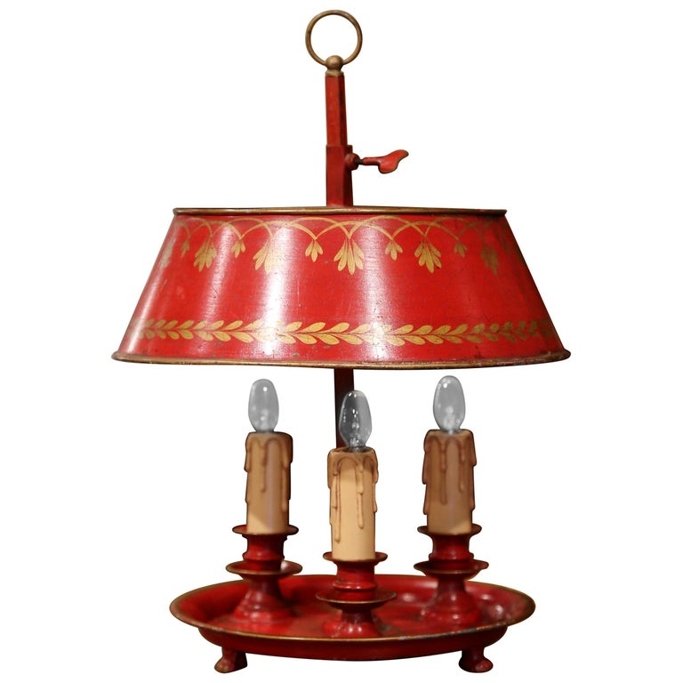 Early 20th Century French Hand Painted Tole Three-Light Bouillotte Table Lamp For Sale