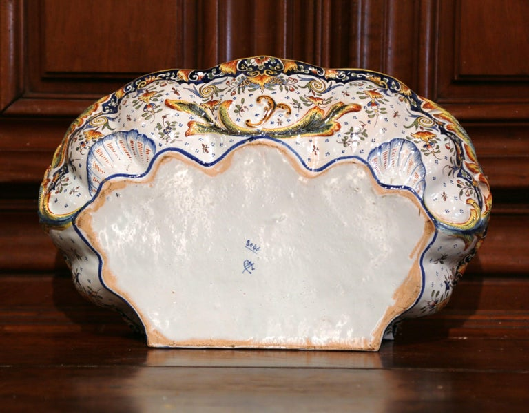 Early 20th Century, French Hand Painted Wall Faience Lavabo Fountain from Rouen For Sale 1