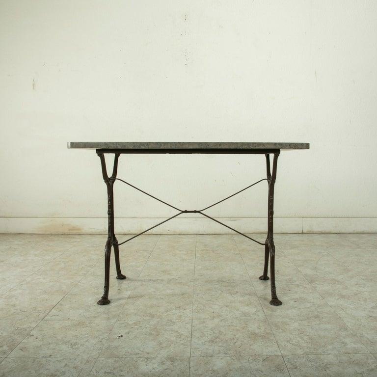 Early 20th Century French Iron Bistro Table with Grey Marble Top In Good Condition For Sale In Fayetteville, AR