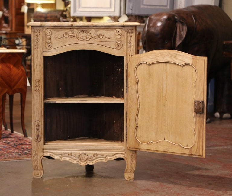 Decorate a room corner with this elegantly carved