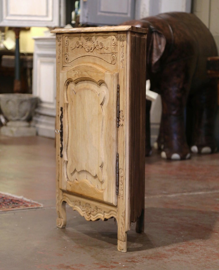 Early 20th Century French Louis XV Carved Oak Corner Cabinet from Normandy For Sale 4